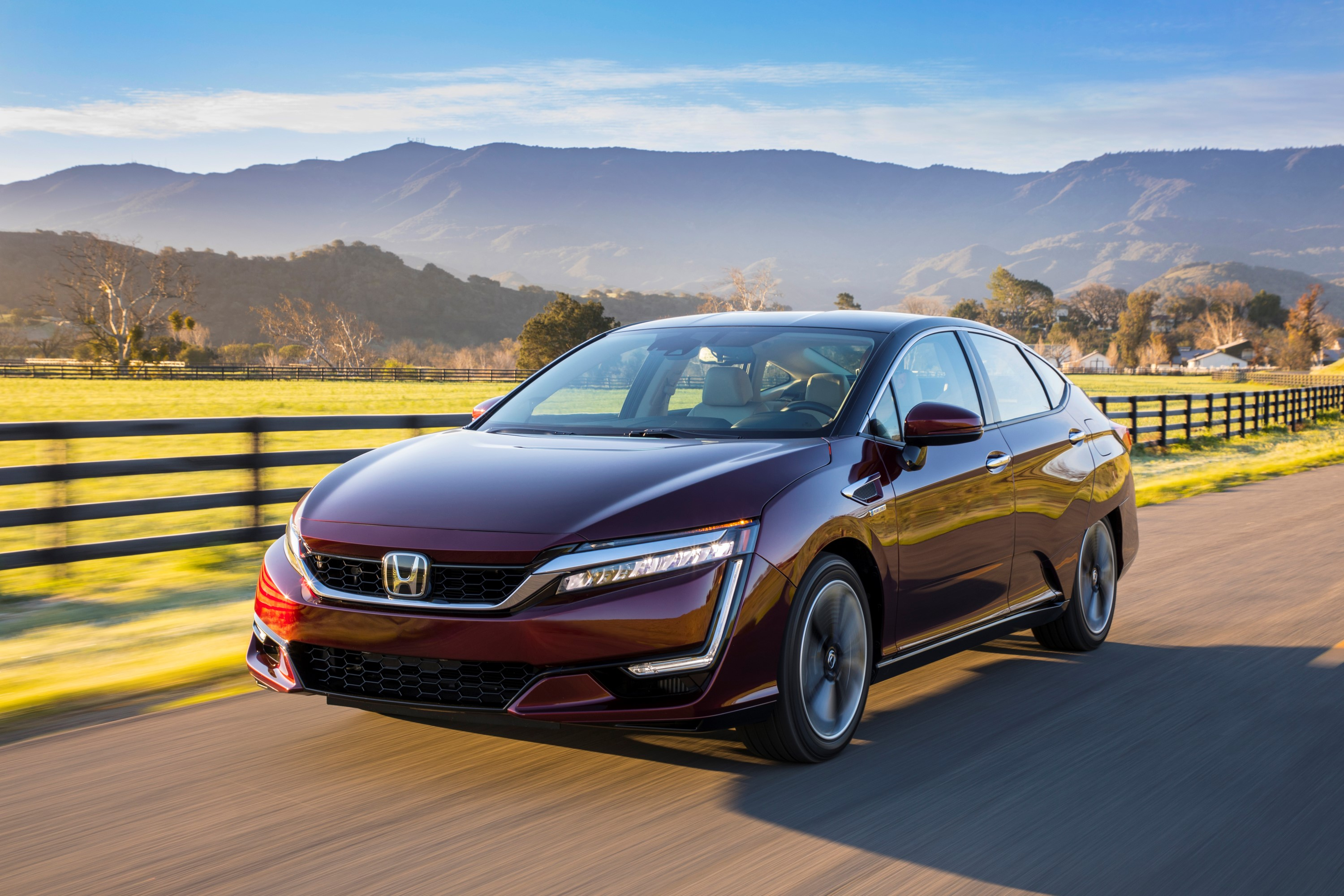 2017 Honda Clarity FCV Review