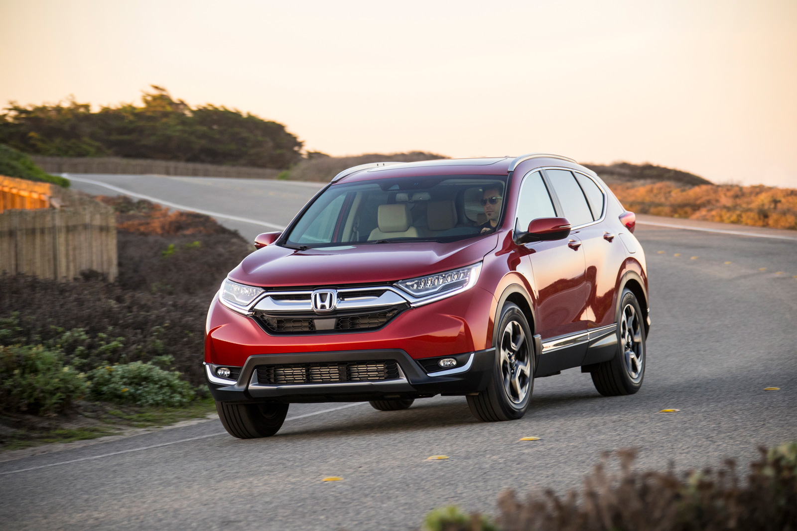 2018 honda cr v now on sale with slight price increase news. Black Bedroom Furniture Sets. Home Design Ideas