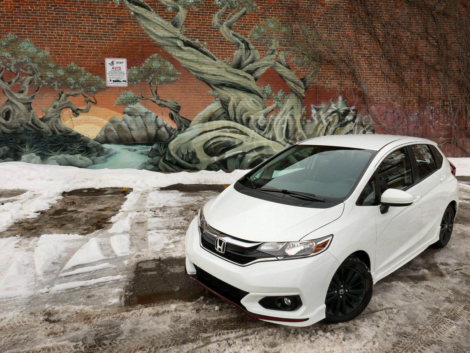 2018 honda fit review tiny hints of type r lineage news. Black Bedroom Furniture Sets. Home Design Ideas