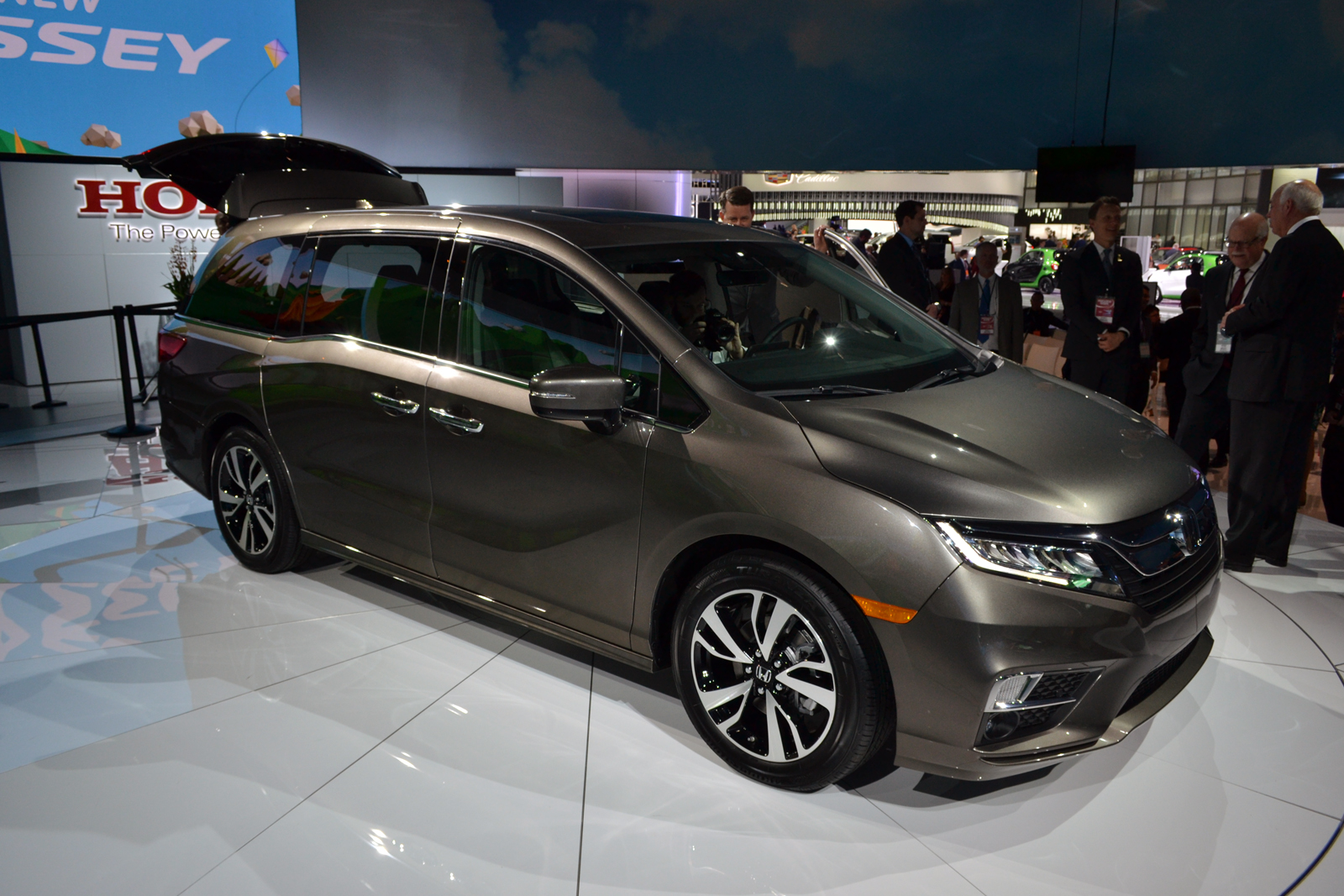all new 2018 honda odyssey offers quieter cabin 10 speed transmission news. Black Bedroom Furniture Sets. Home Design Ideas