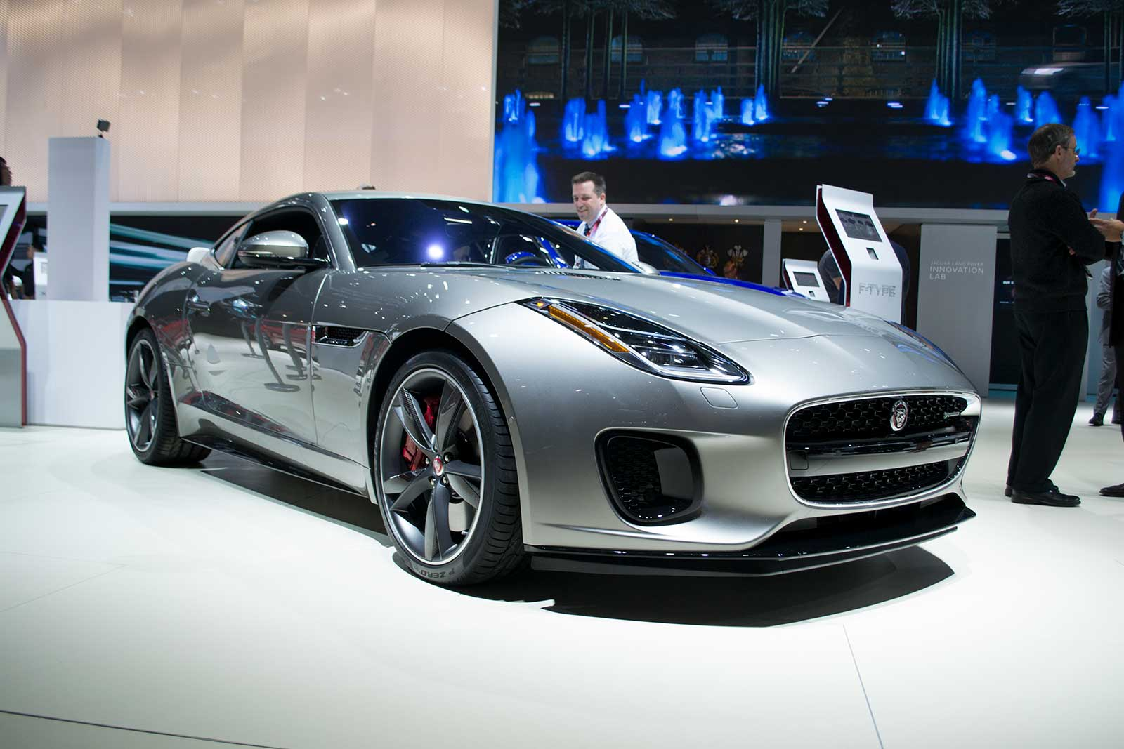 2018 Jaguar F Type 01 ...