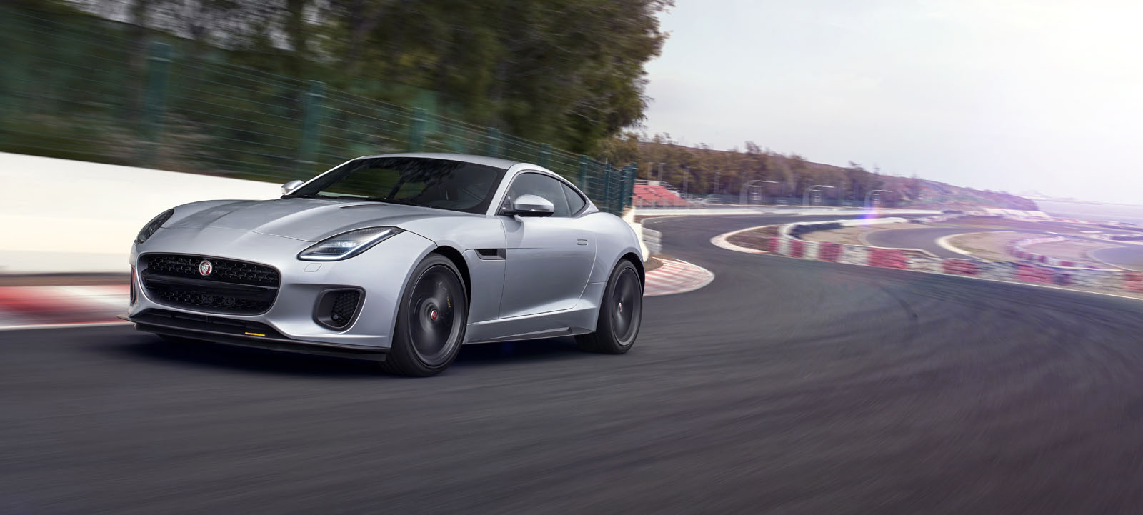2018 jaguar f type refreshed with more tech and new models. Black Bedroom Furniture Sets. Home Design Ideas