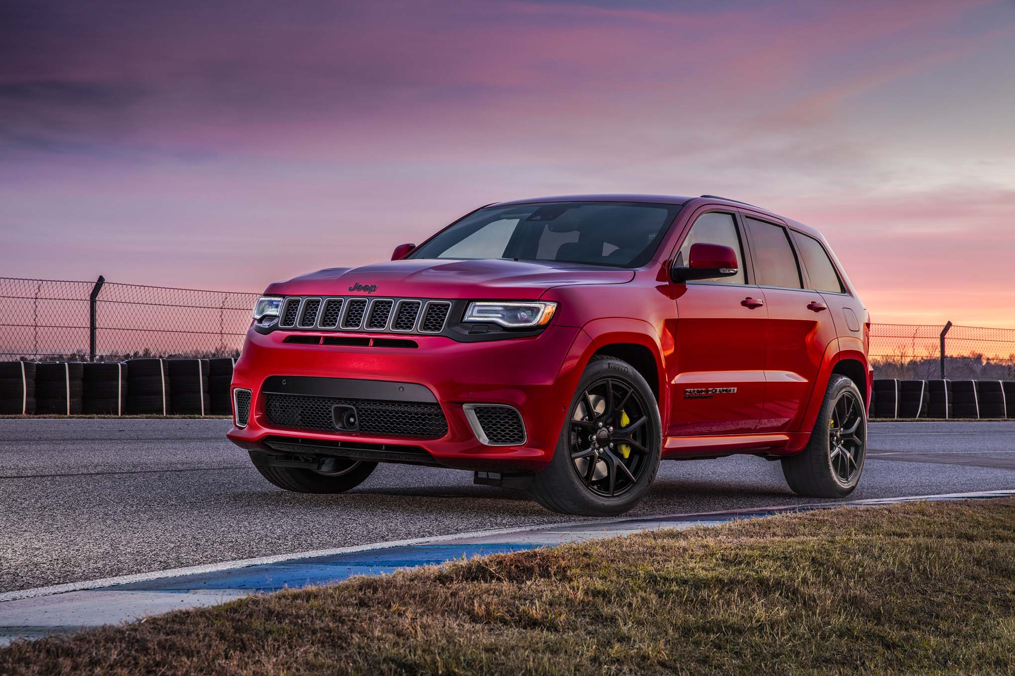 the 2018 jeep grand cherokee trackhawk costs almost 90k news. Black Bedroom Furniture Sets. Home Design Ideas