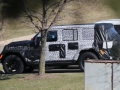 2018-jeep-wrangler-spy-photos-08