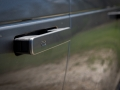 2018-Range-Rover-Velar-Door-Handle-02