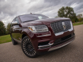 2018-Lincoln-Navigator-Front-02