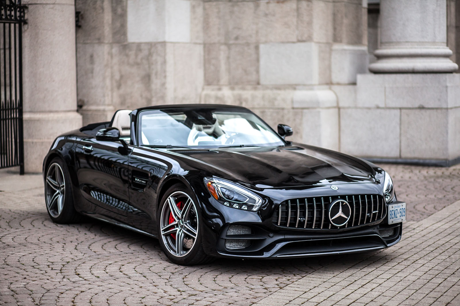 i took a stranger for a random ride in a mercedes amg gt. Black Bedroom Furniture Sets. Home Design Ideas