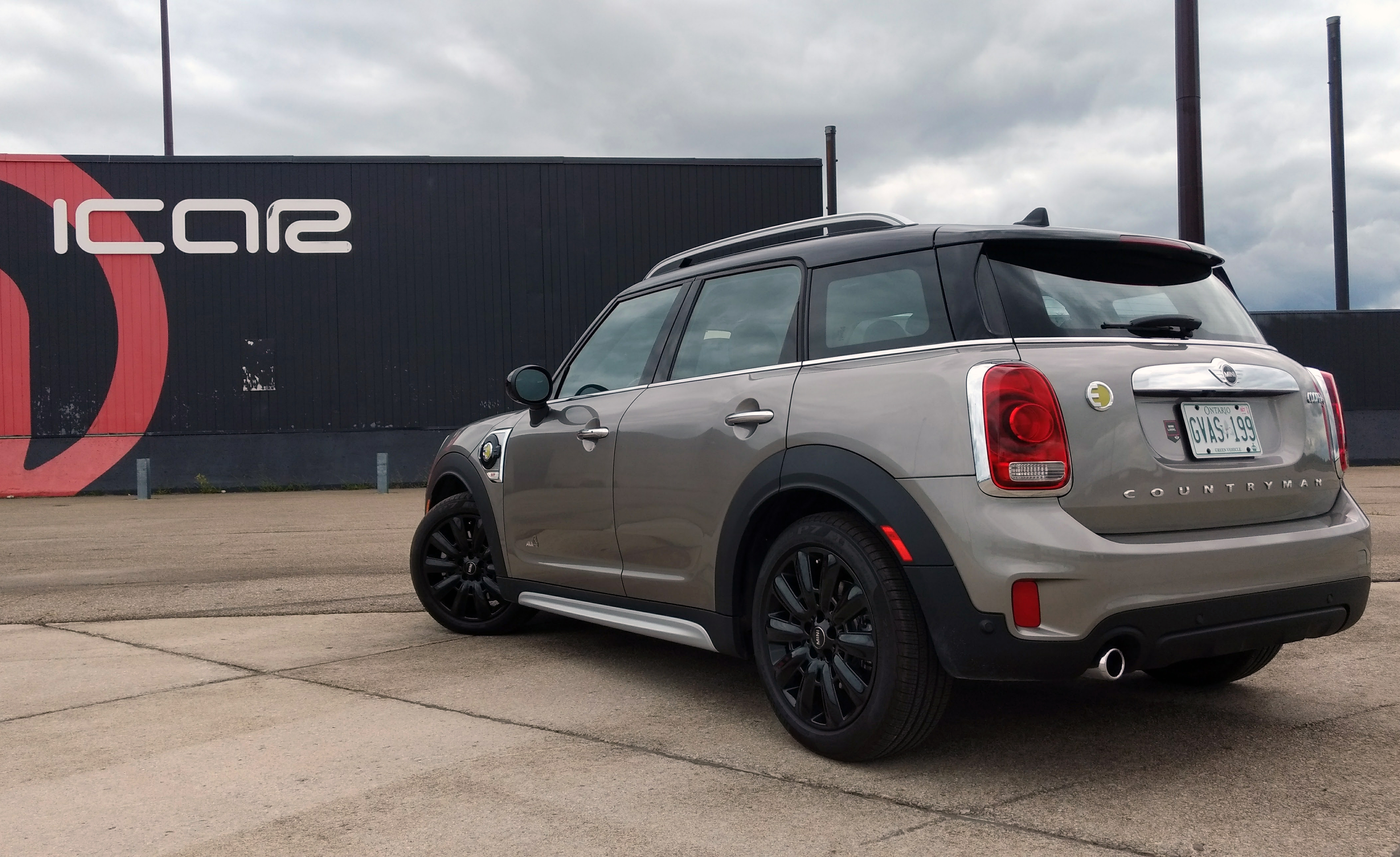 second gen 2017 mini countryman unveiled offers the brand 39 s first plug in. Black Bedroom Furniture Sets. Home Design Ideas