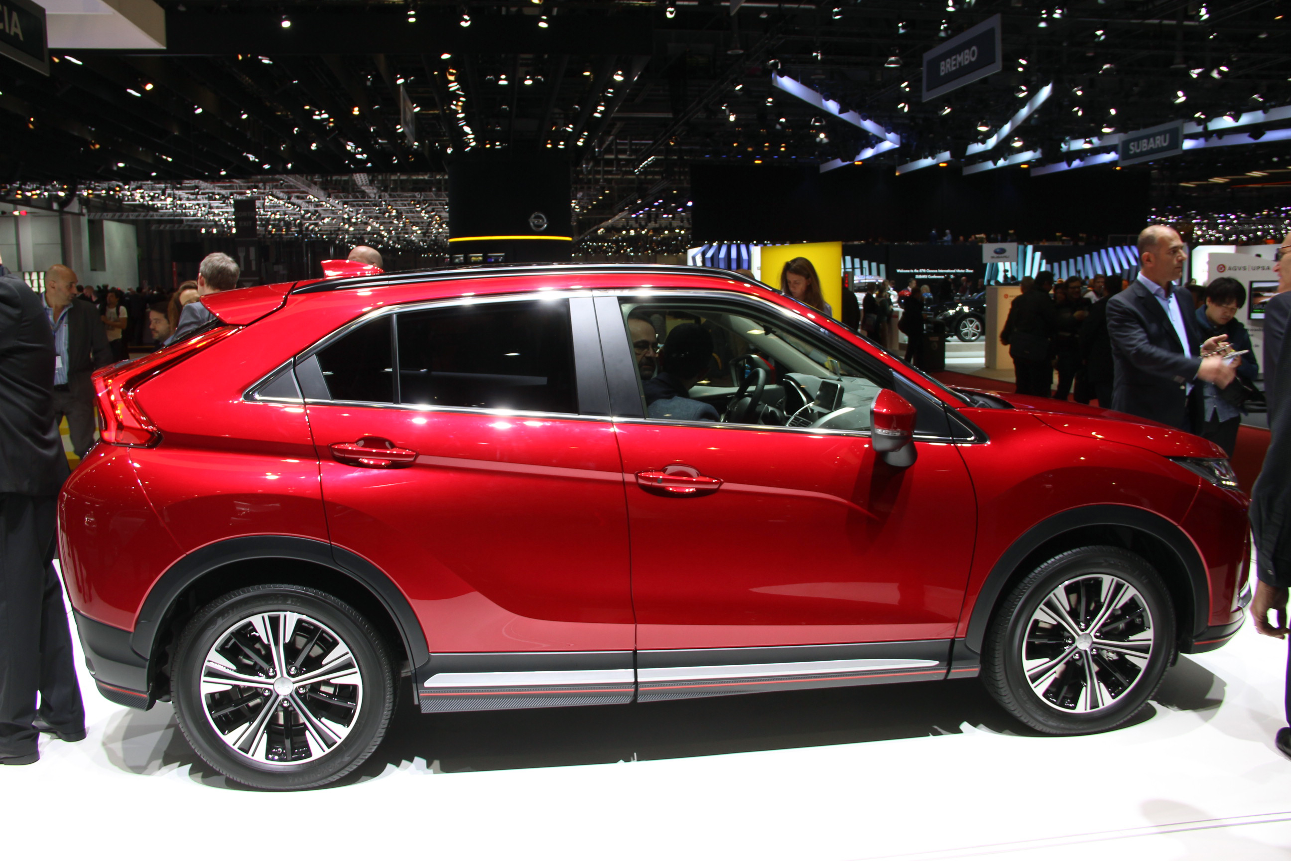 2018 mitsubishi eclipse cross revealed an all new turbocharged crossover that slots between. Black Bedroom Furniture Sets. Home Design Ideas