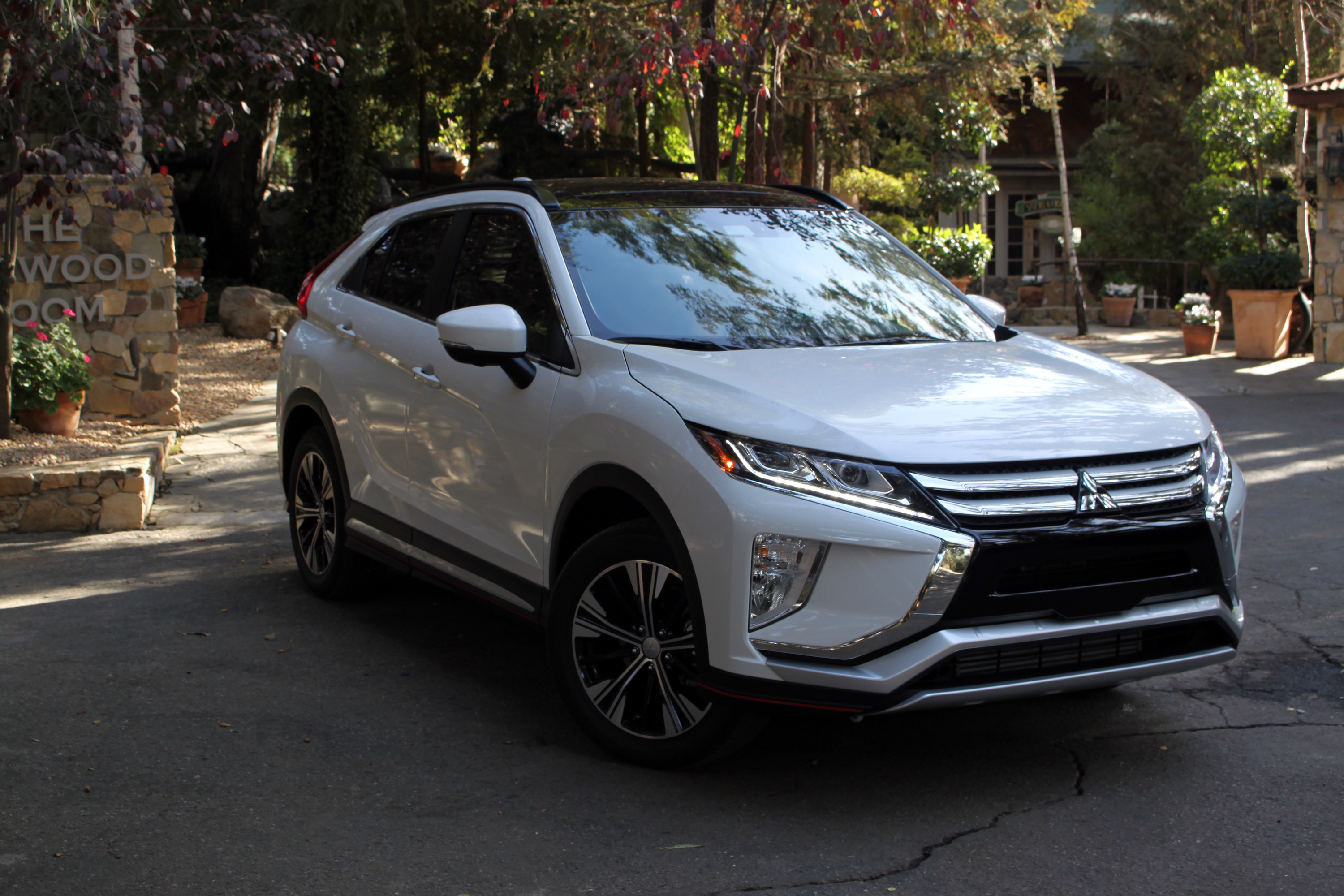 2018 mitsubishi eclipse cross pros and cons » autoguide news