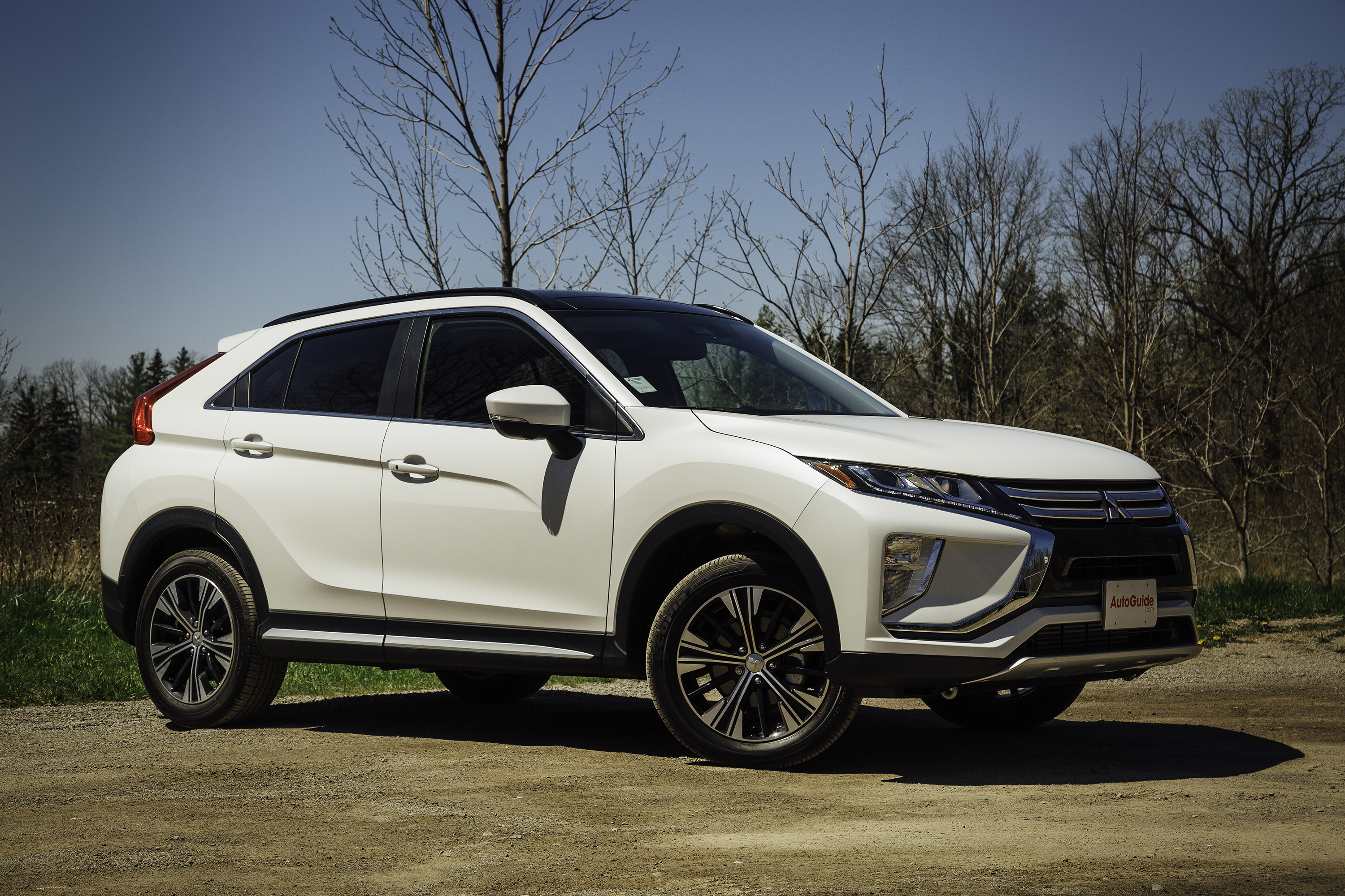 2018 mitsubishi eclipse cross review and video autoguide com rh autoguide com Video of Eclipse Today Eclipse Daylight Video