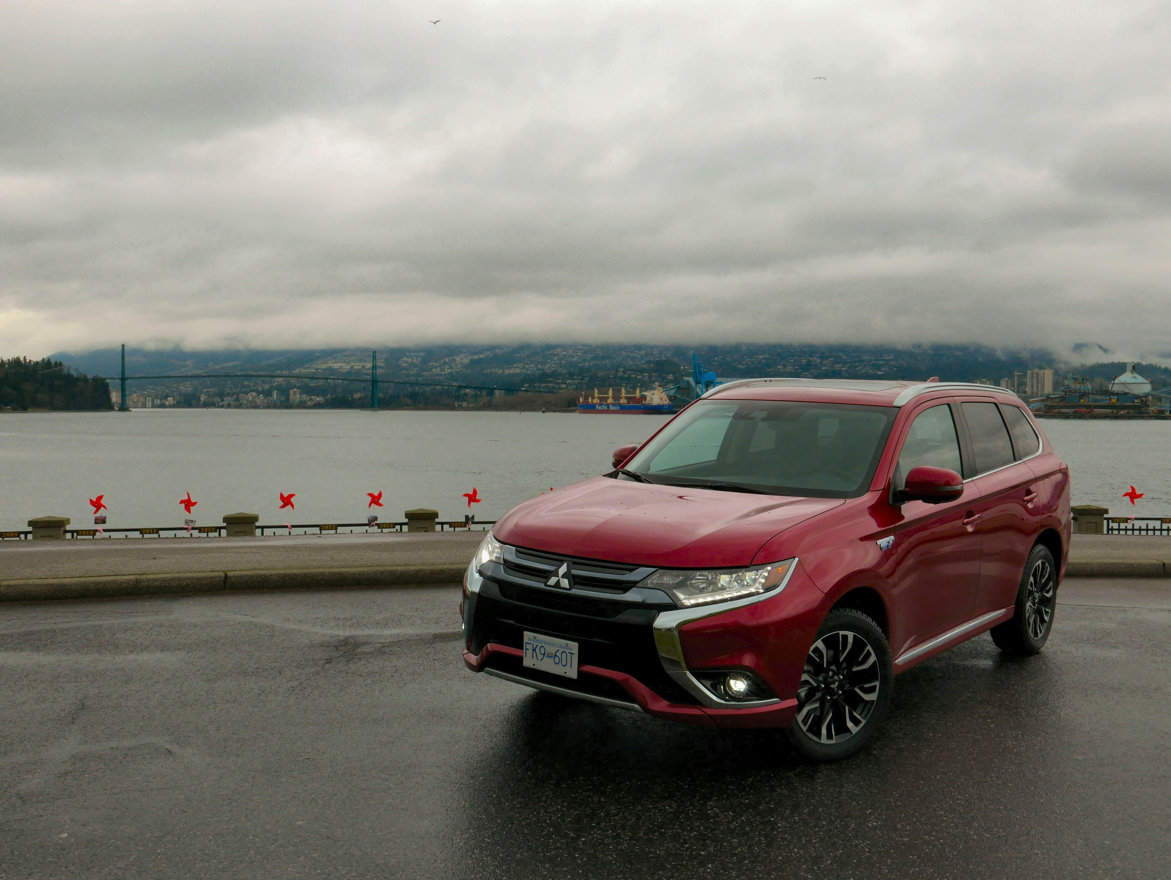 2018 Mitsubishi Outlander PHEV Review and First Drive - AutoGuide com