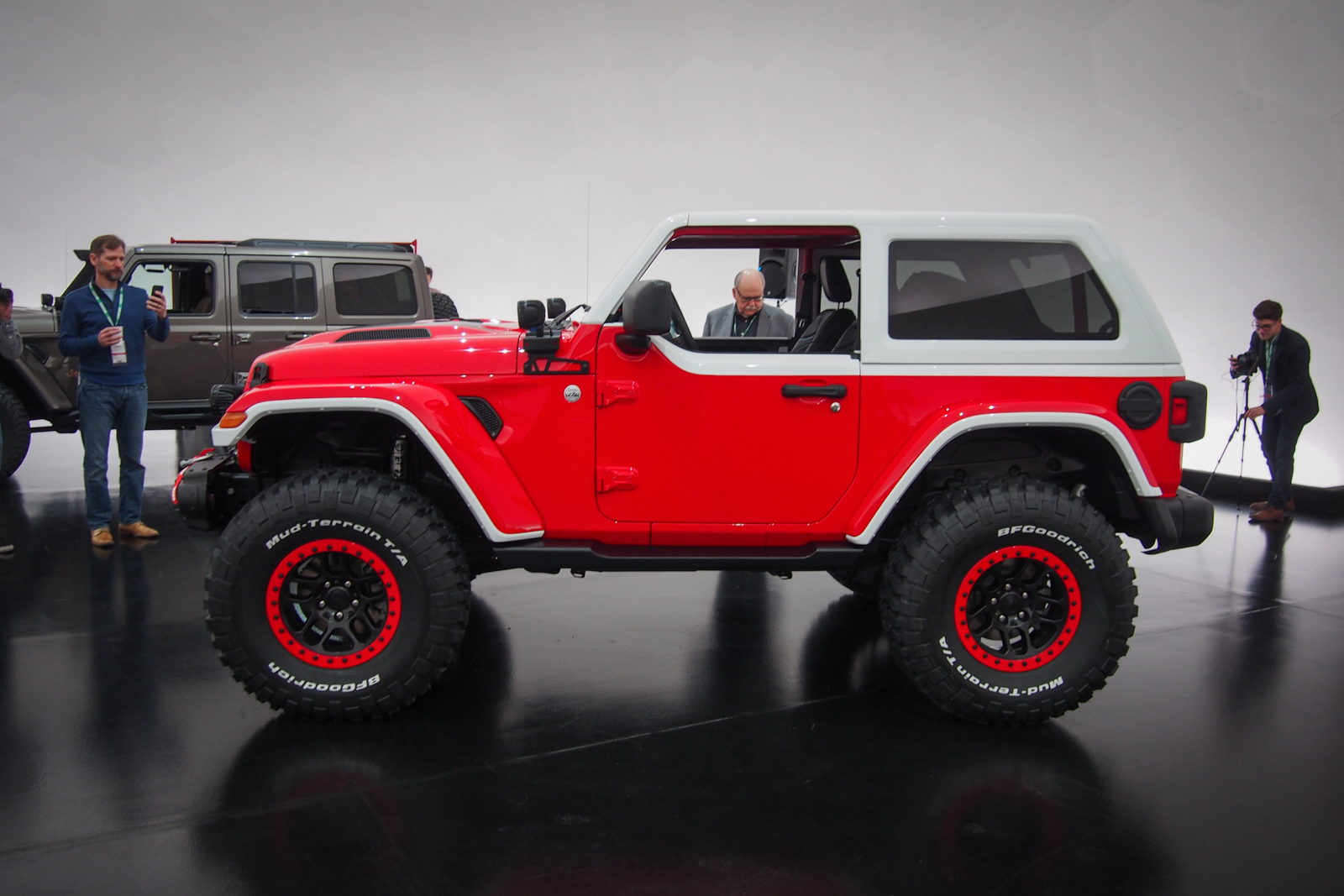 jeep shows off seven concepts for 2018 easter jeep safari news. Black Bedroom Furniture Sets. Home Design Ideas