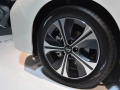 2018-Nissan-Leaf-Wheel-02