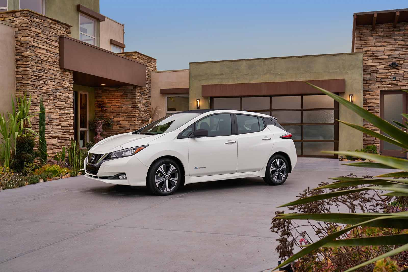 Nissan unveils new Leaf EV with improved range