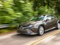 2018 Toyota Camry Hybrid Review-02