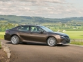 2018 Toyota Camry Hybrid Review-18