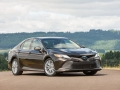 2018 Toyota Camry Hybrid Review-19