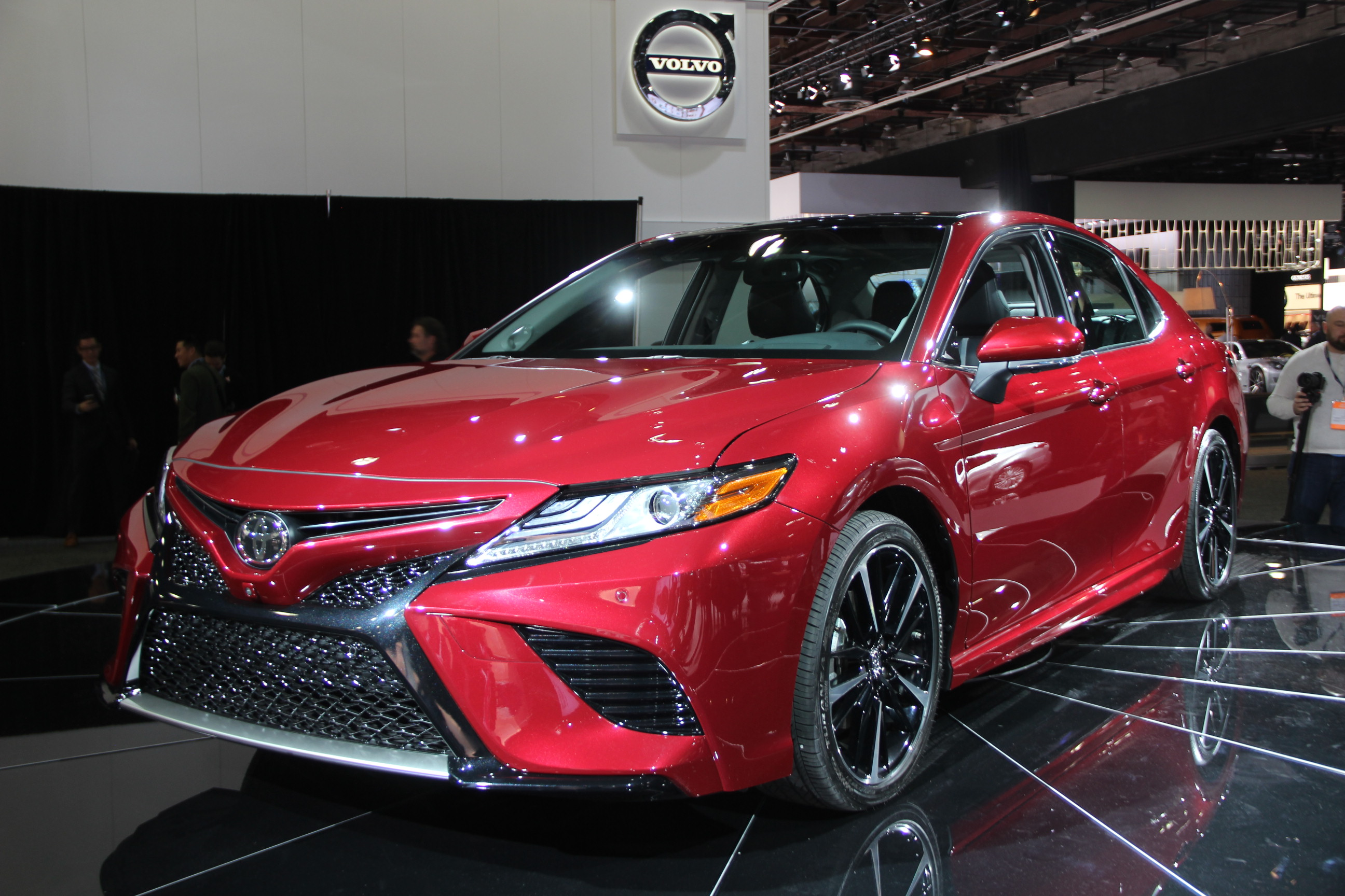 2018 toyota camry gets aggressive overhaul  u00bb autoguide com news