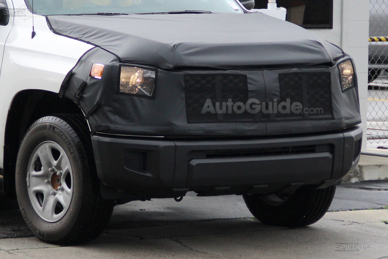 2018 toyota tundra spied again showing new front end news. Black Bedroom Furniture Sets. Home Design Ideas