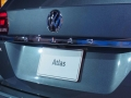 2018-Volkswagen-Atlas-Live-Shot-badge