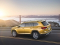 2018-Volkswagen-Atlas-Driving-02