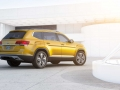 2018-Volkswagen-Atlas-Rear-01