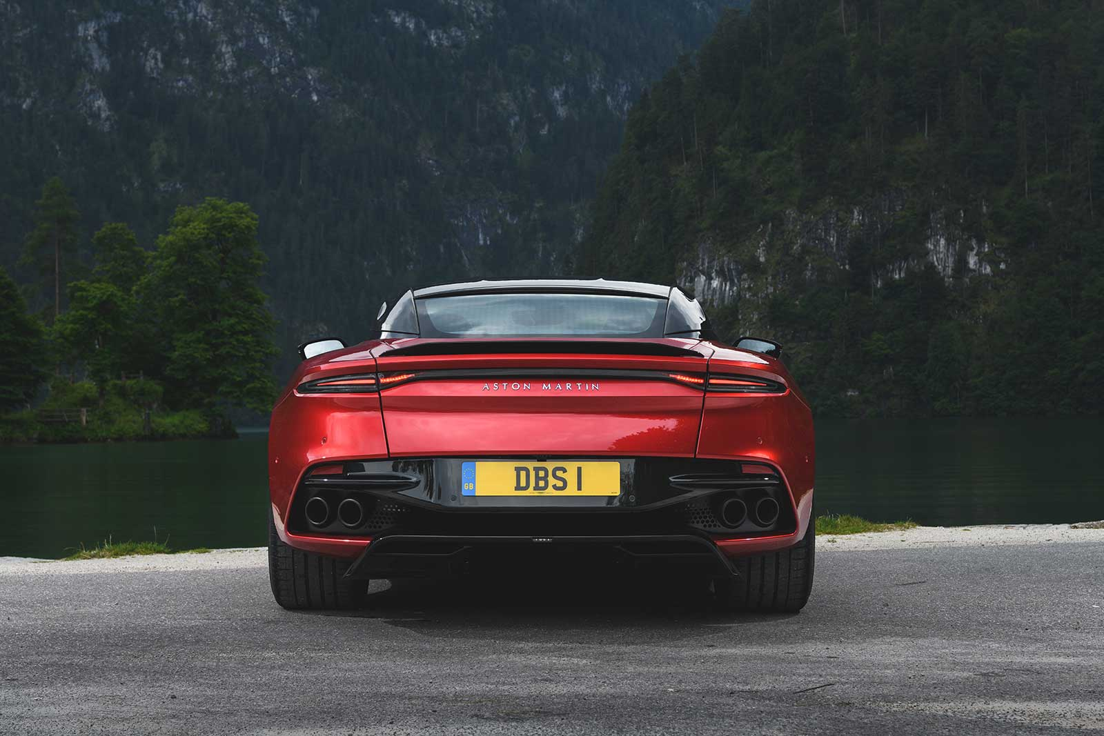 11 Things To Know About The 2019 Aston Martin Dbs Superleggera Autoguide Com News