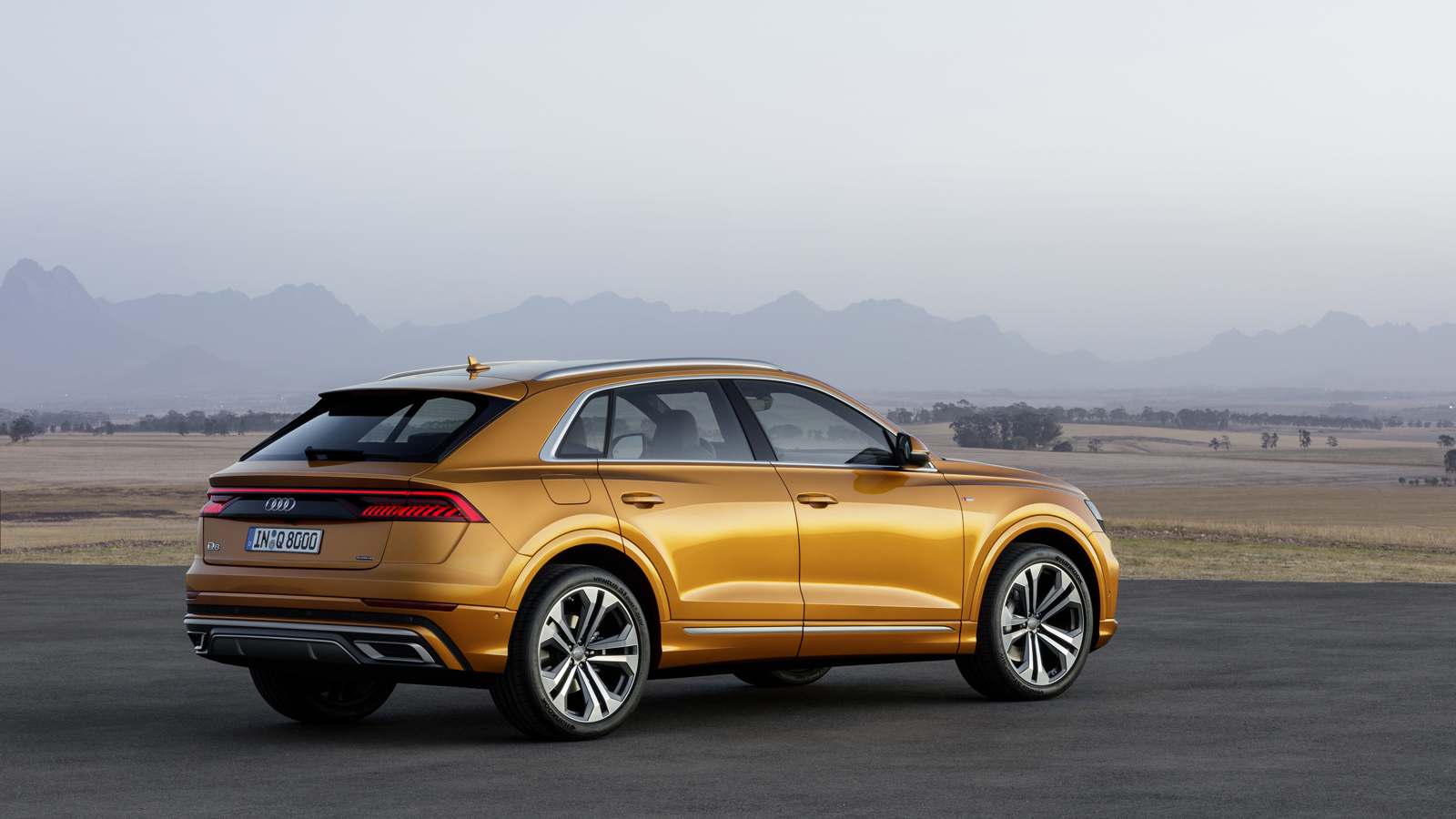 2019 audi q8 debuts with 48v mild hybrid v6 all wheel steering news. Black Bedroom Furniture Sets. Home Design Ideas