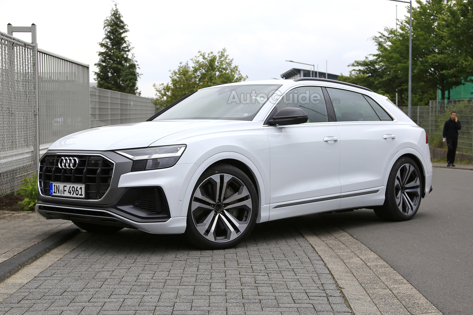 Hey Look It S The 2019 Audi Sq8 Autoguide Com News