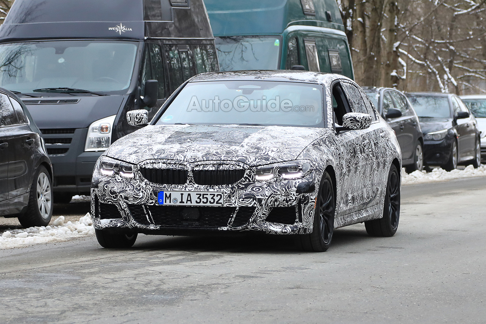 2019 bmw 3 series takes shape in new spy photos bmw forum. Black Bedroom Furniture Sets. Home Design Ideas