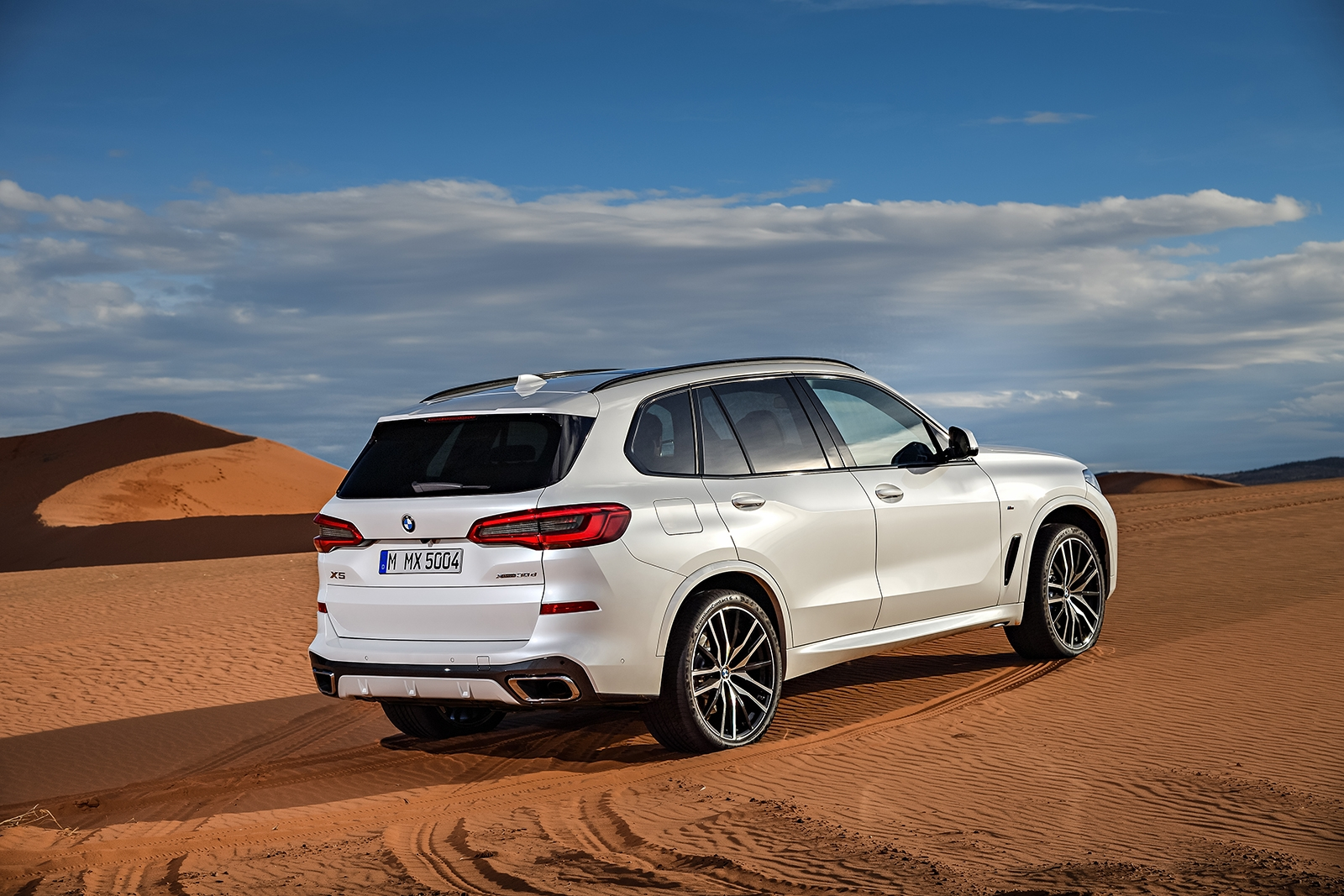 all new 2019 bmw x5 goes on sale in november autoguide. Black Bedroom Furniture Sets. Home Design Ideas