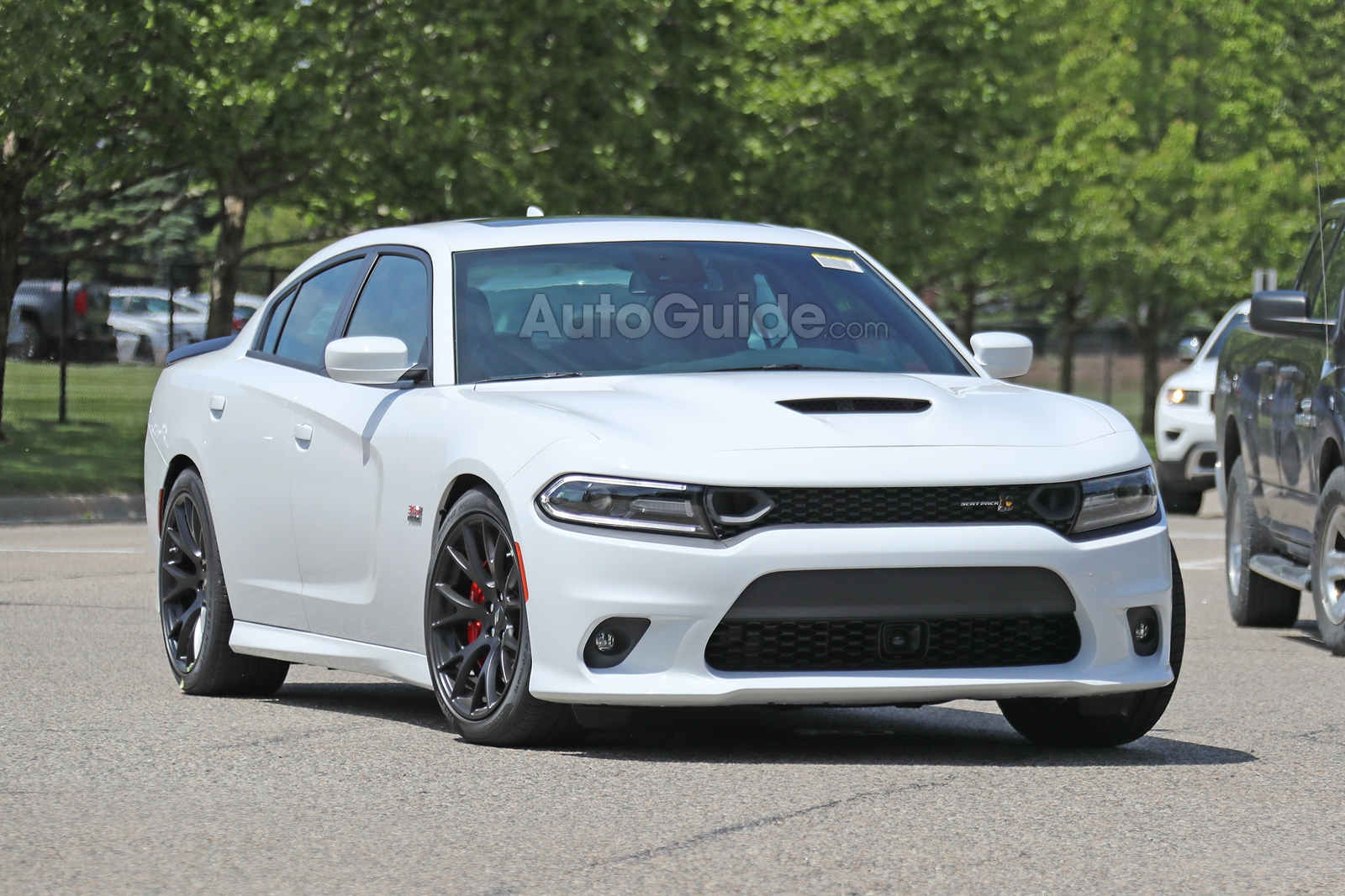 2019 dodge charger scat pack revealed in new spy photos news. Black Bedroom Furniture Sets. Home Design Ideas