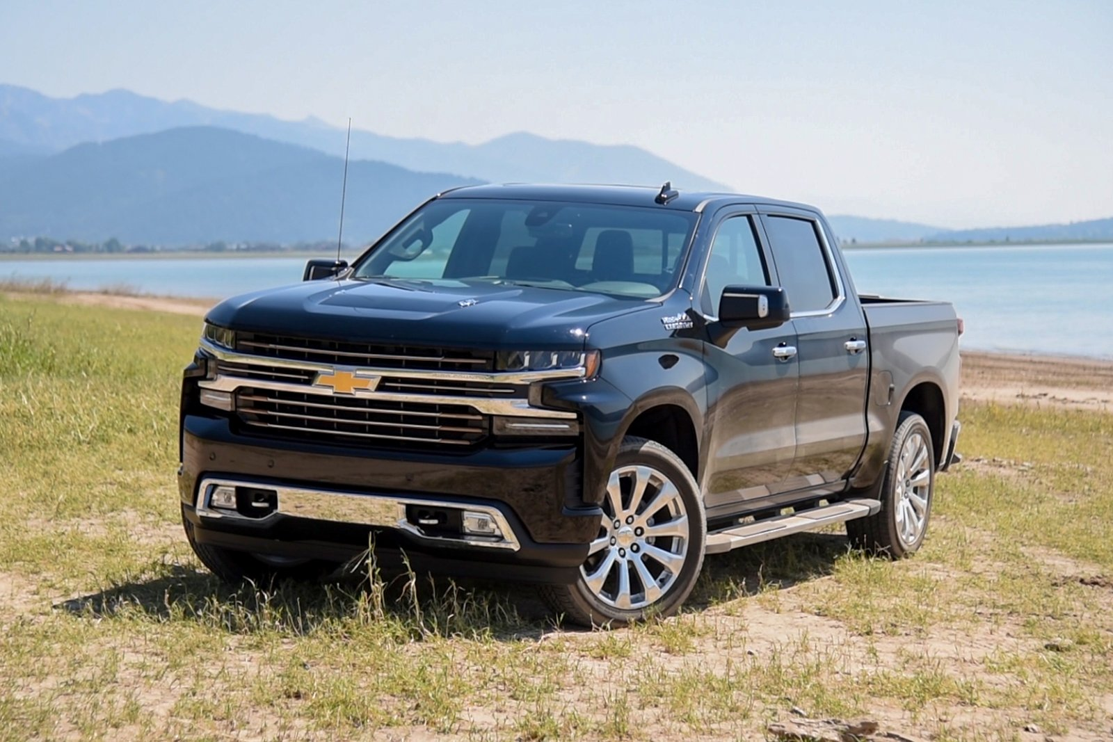 2019 Chevrolet Silverado Review – VIDEO - AutoGuide.com