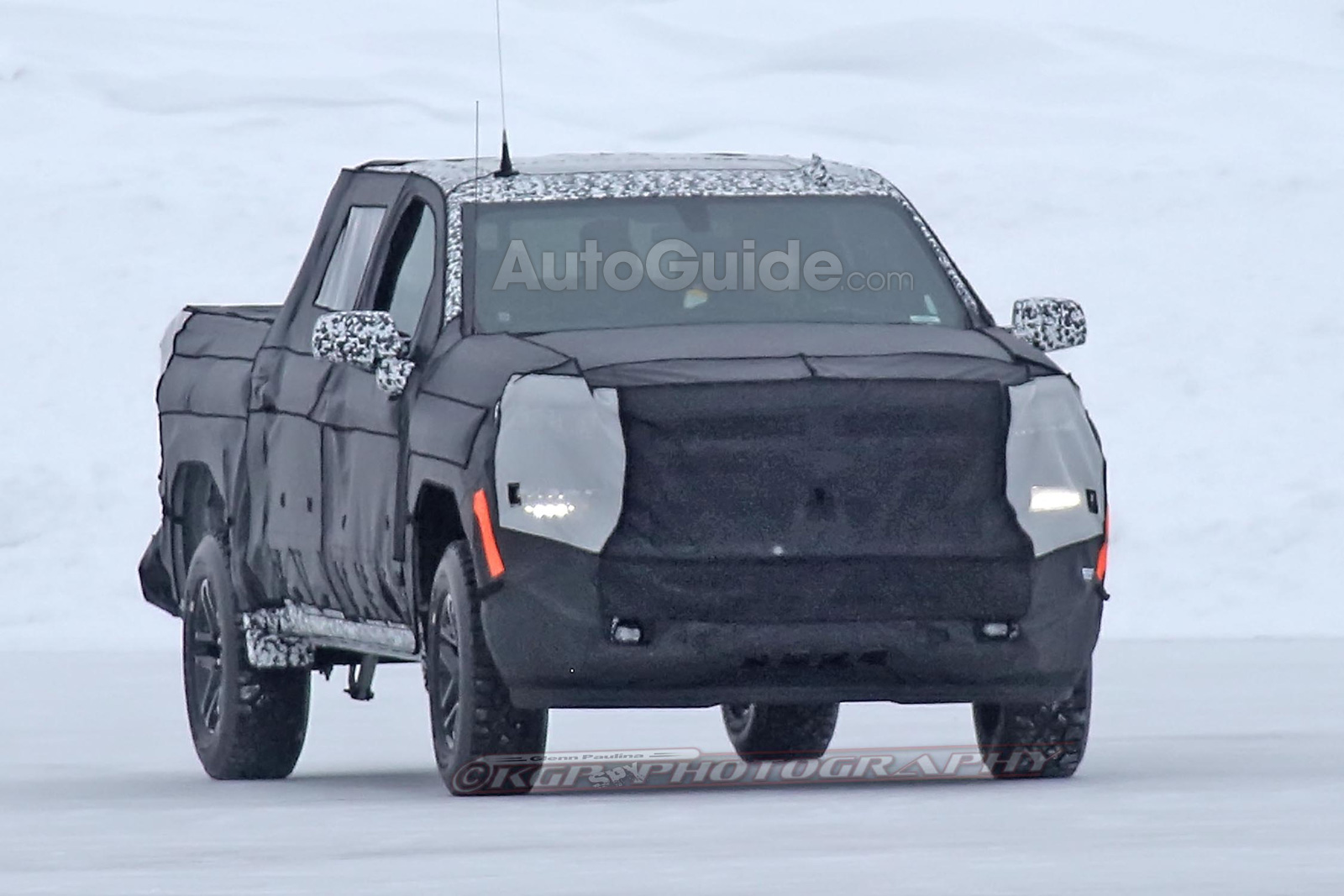 Spied 2019 Chevrolet Silverado Prototype Is Pretending to ...