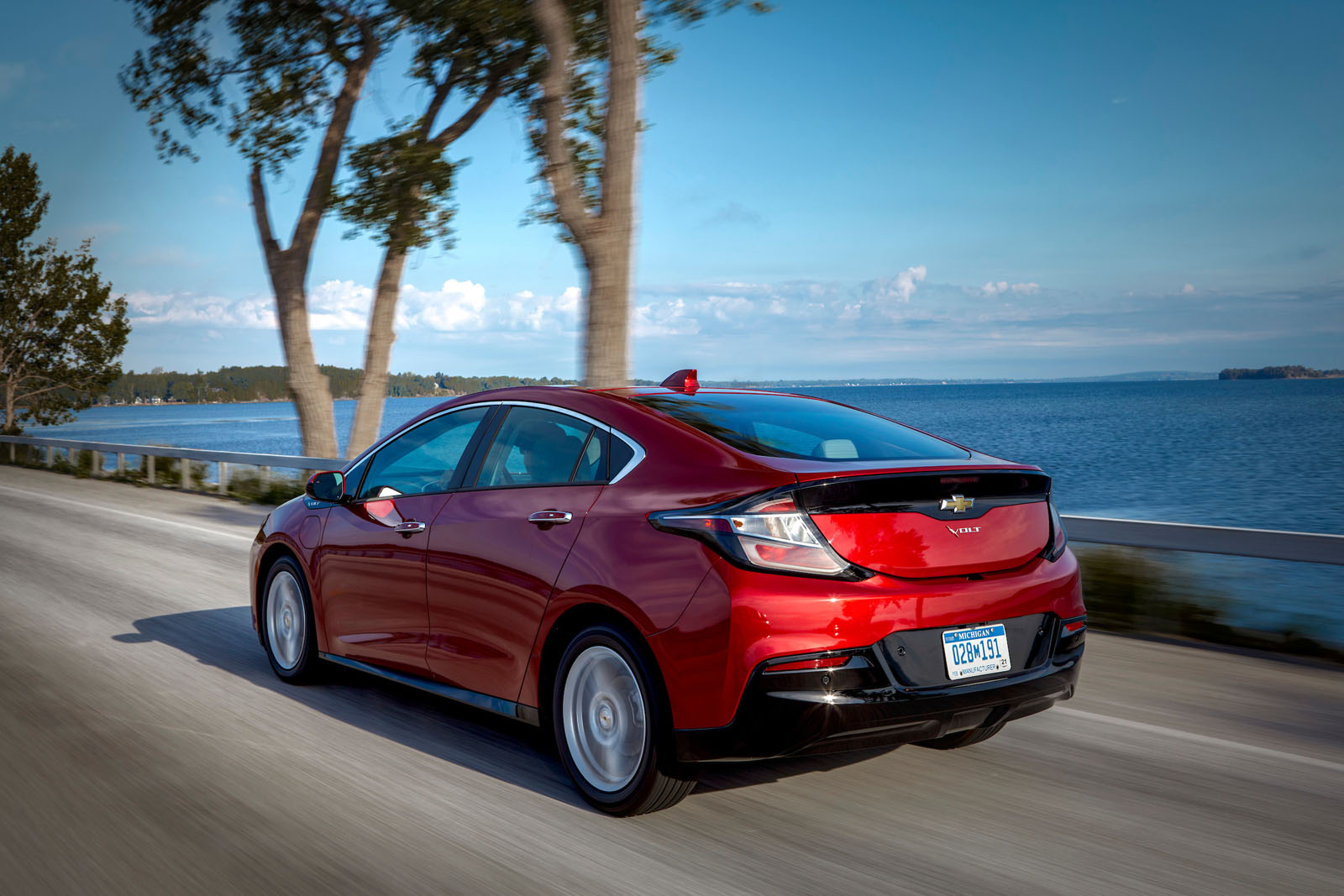 2019 Chevrolet Volt Review 09