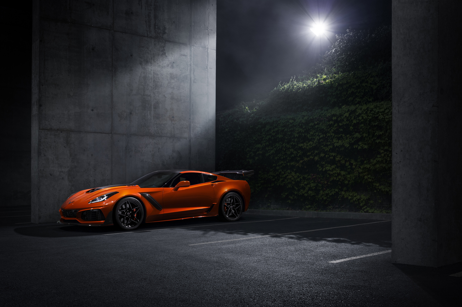 The Fastest Most Ful Production Corvette Ever 755 Horse 2019 Zr1