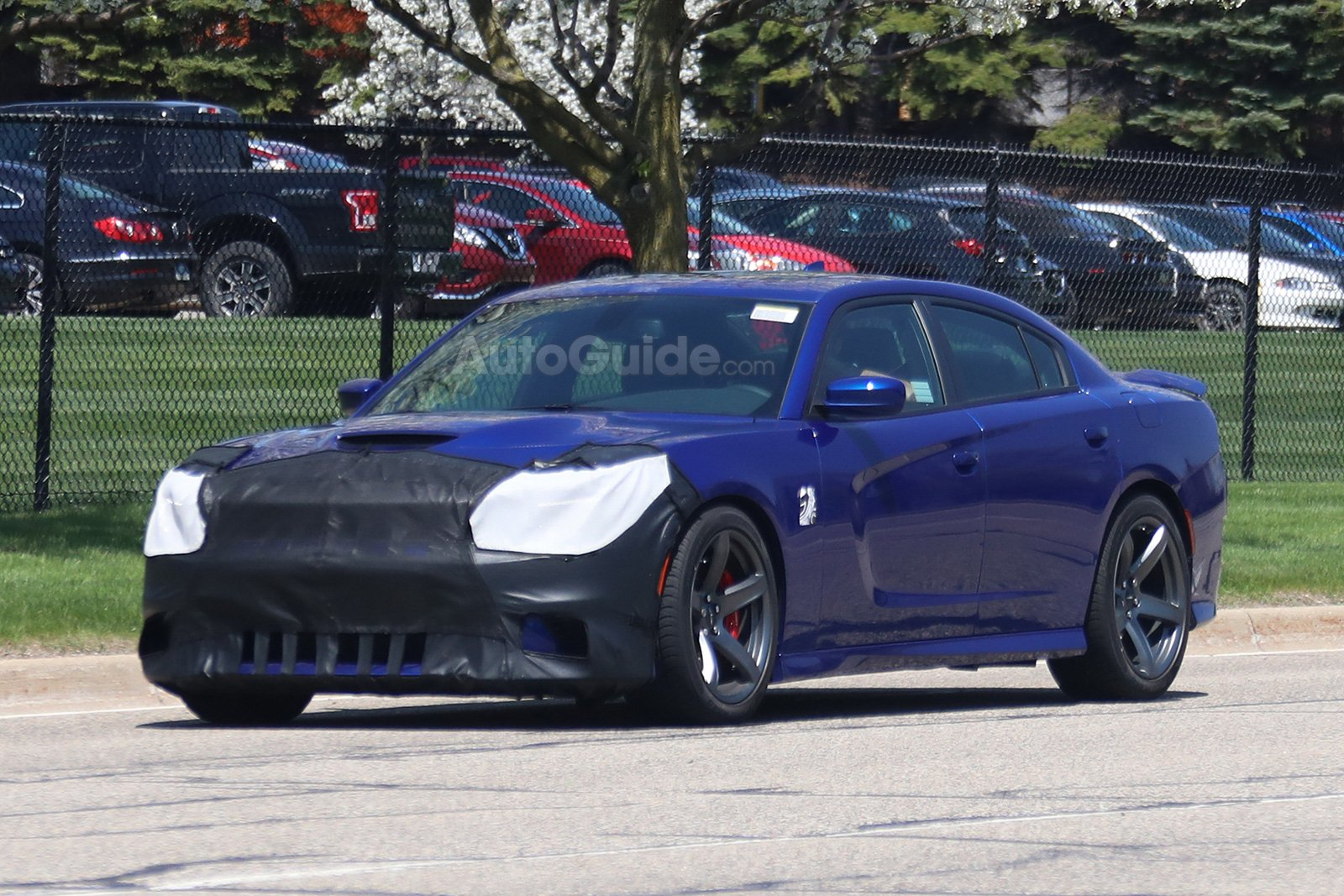 2019 Dodge Charger Hellcat Spied Testing For The First Time 187 Autoguide Com News