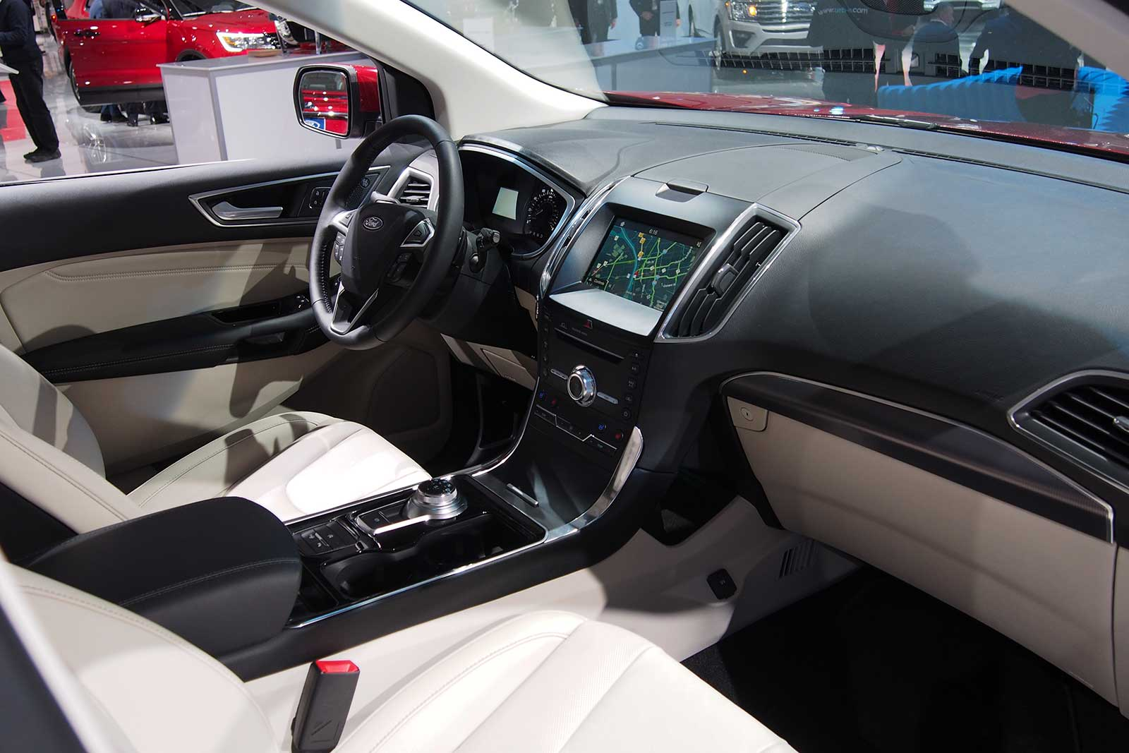 2019 ford edge interior 01