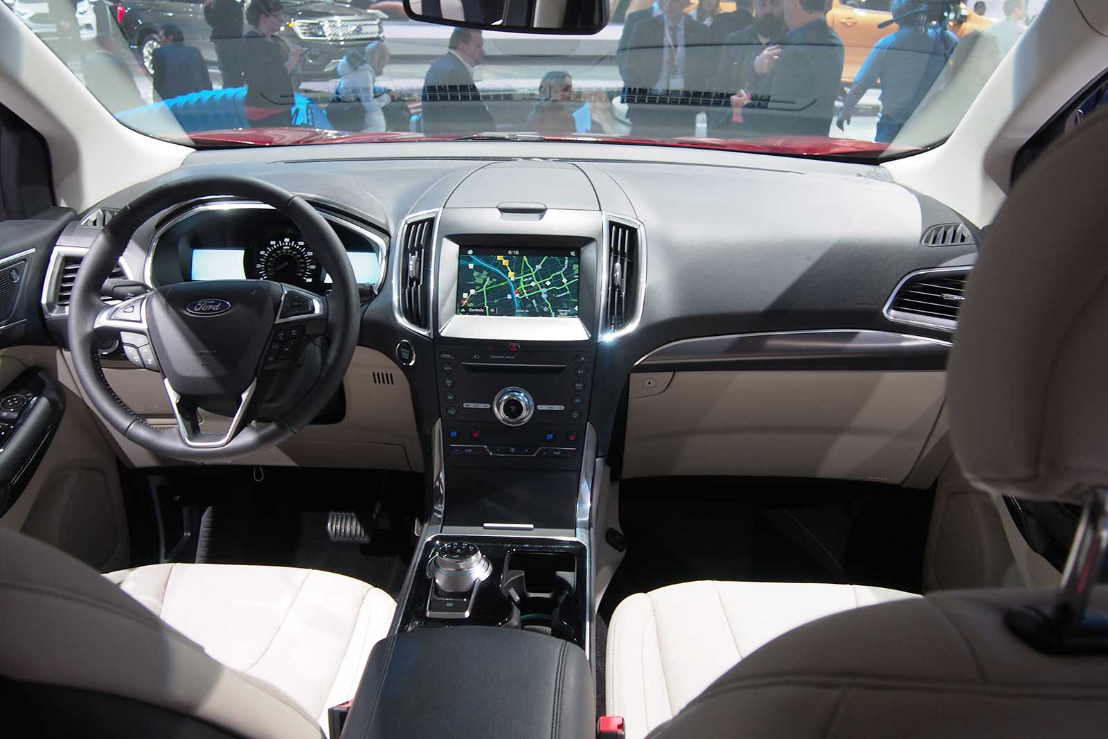 2019 ford edge interior 02
