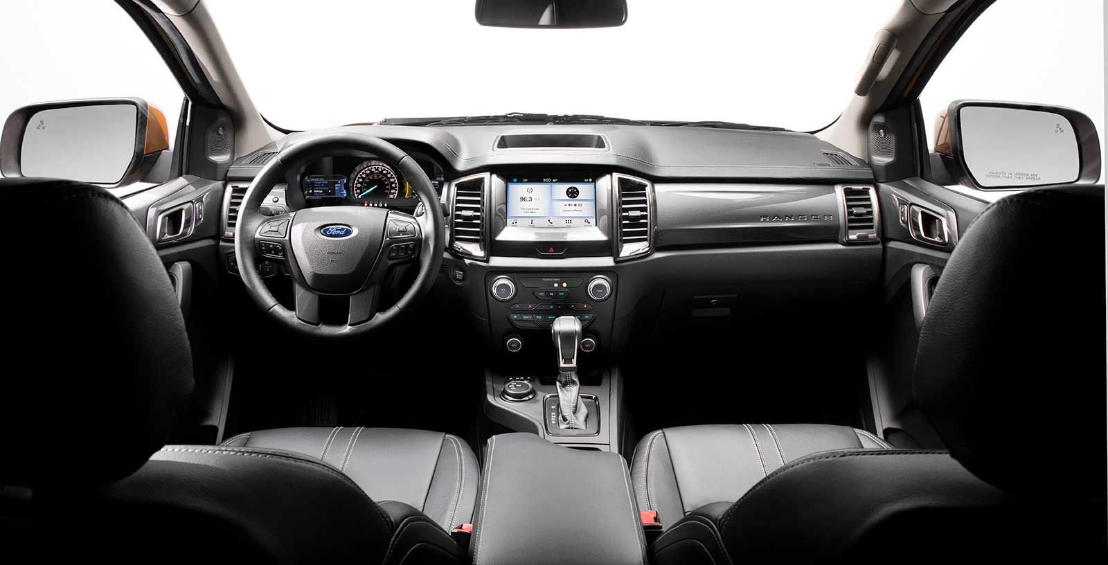 2019-Ford-Ranger-Interior-03.jpg