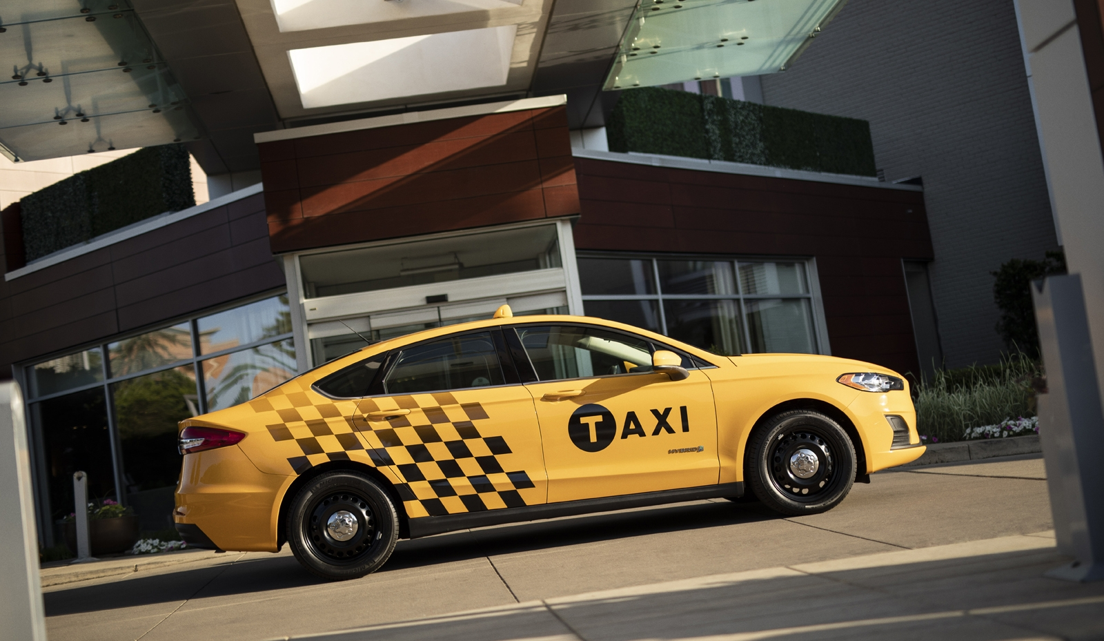 Car Auto Insurance Companies >> 2019 Ford Fusion Hybrid Taxi is Ready for Whatever NYC Can ...