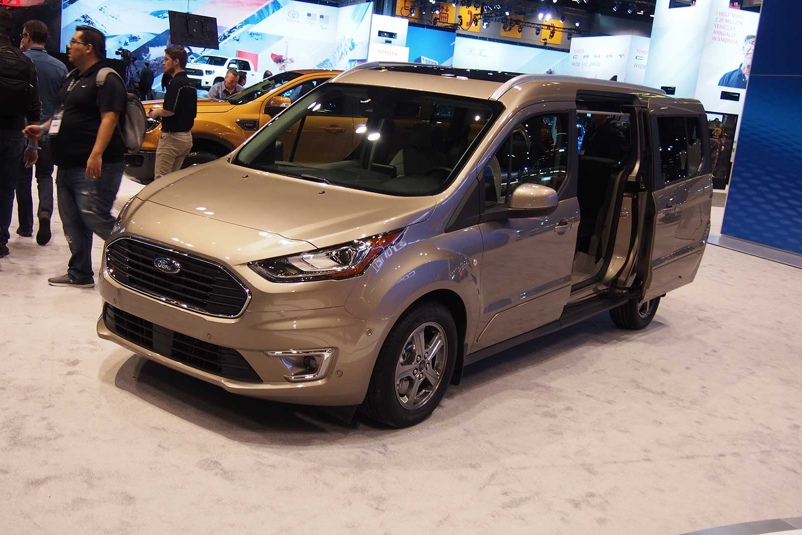 2019 Ford Transit Connect Will Offer Diesel Power 187 Autoguide Com News