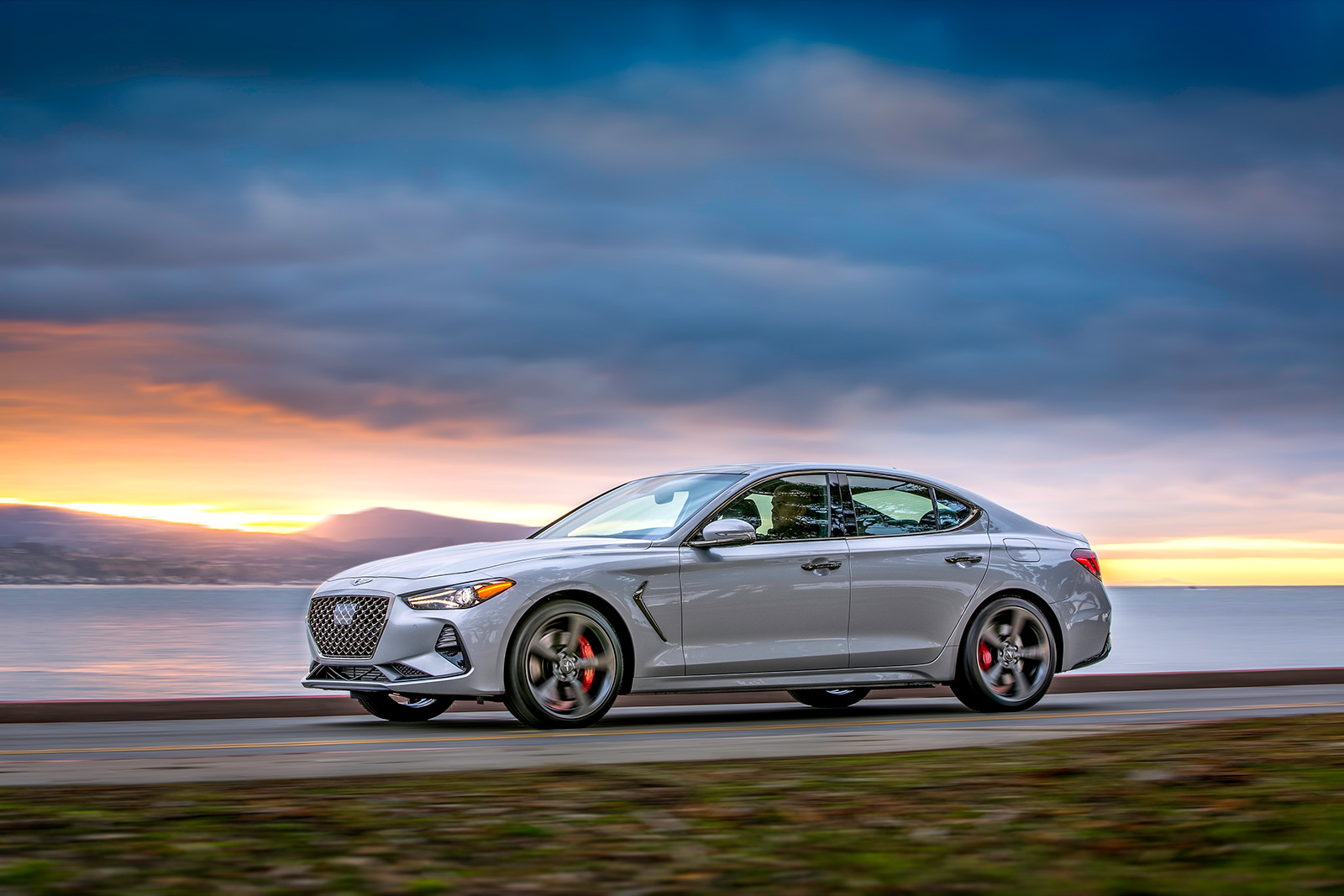 2019 Genesis G70 Heads To The Us This Summer With A Manual Transmission 187 Autoguide Com News