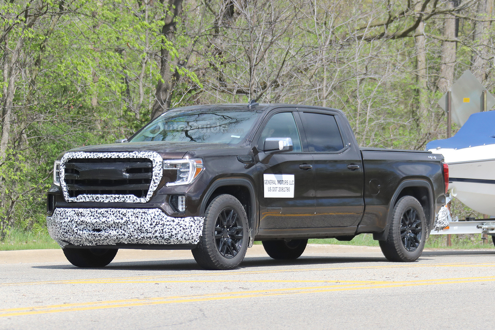 Another GMC Sierra 1500 Variant Appears In The Wild