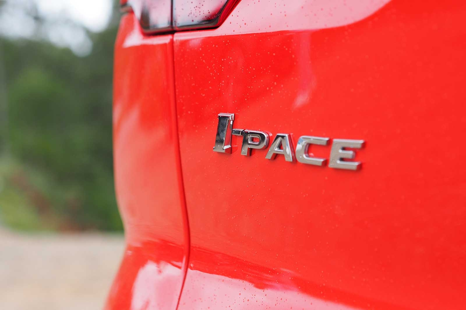 2019-Jaguar-I-Pace-Badge-06