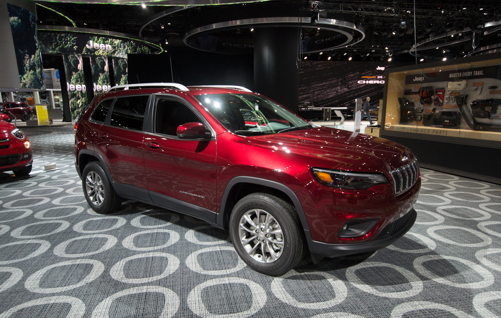 Refreshed 2019 Jeep Cherokee is No Longer Ugly and Gets ...