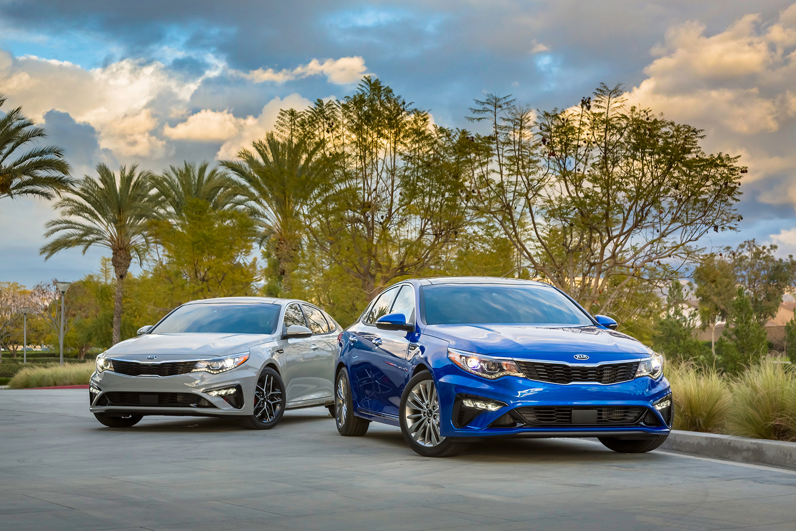 a saloon kia and soon cars coming optima to update treated sportswagon parkers facelift