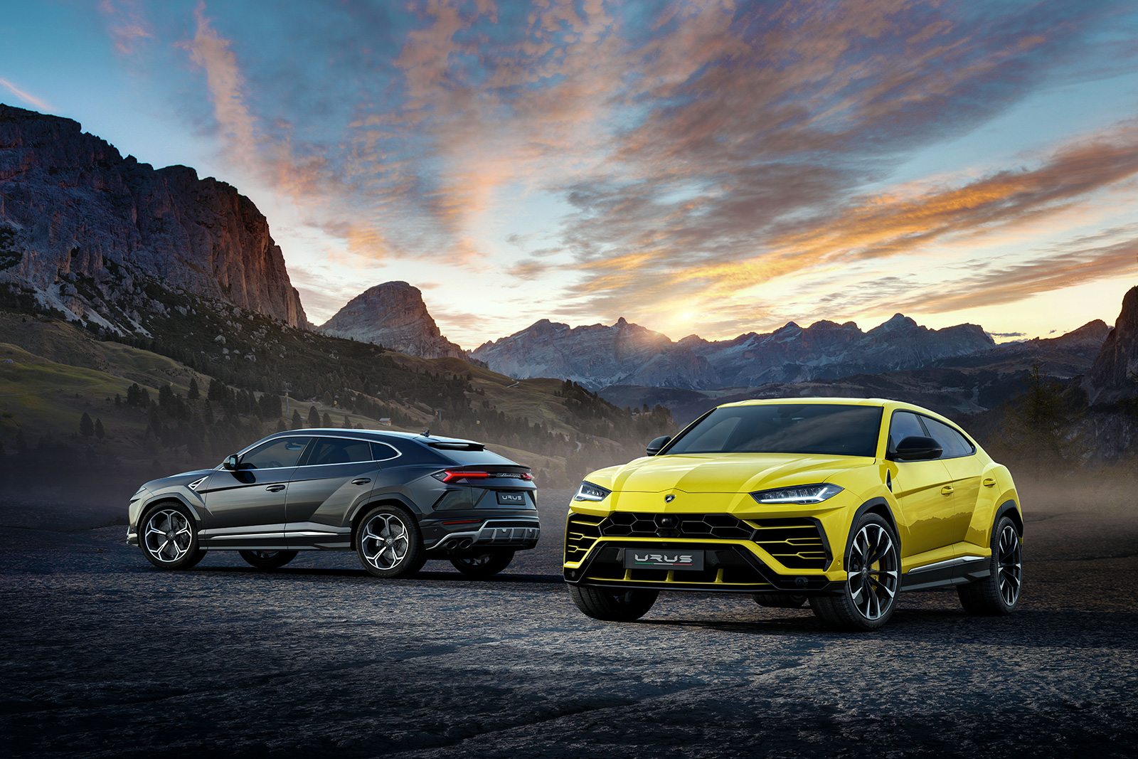lamborghini urus debuts as the fastest suv in the world news. Black Bedroom Furniture Sets. Home Design Ideas