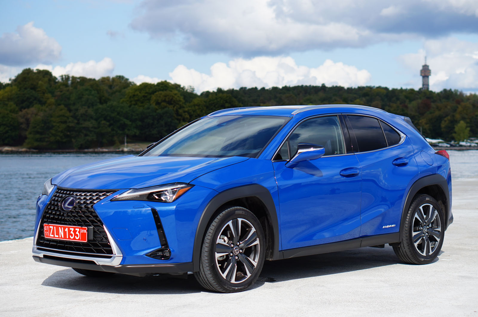 2019 lexus ux review ux 200 and ux 250h. Black Bedroom Furniture Sets. Home Design Ideas